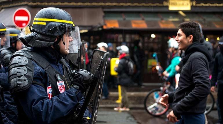 protesta lavoro francia